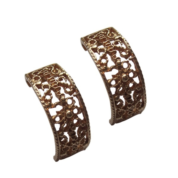 Classic Design Gold Earrings with Beautiful Patternes