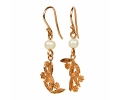 Naturalistic Vintage Gold Earrings with pearl