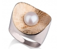 Unique Gold Pearl Ring side view