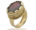 Gold Vintage Ring with Garnet