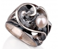 Vintage Style Silver and Pearl Ring side view