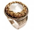 Mother of Pearl Gold Vintage Ring side view