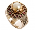 A Pearl Vintage Style Gold and Silver Ring with 12 Garnets side view